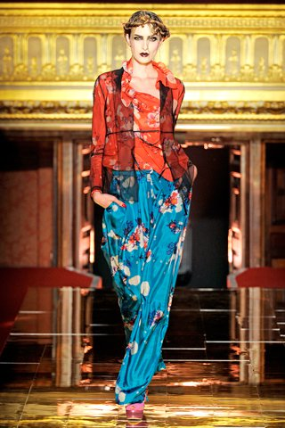 images/cast/00000432445857034=my job on fabrics john galliano Summer 2011
